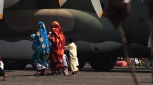 Des familles de Tchadiens prêtes à être rapatriées dans leur pays. Bangui, le 28 décembre 2013.