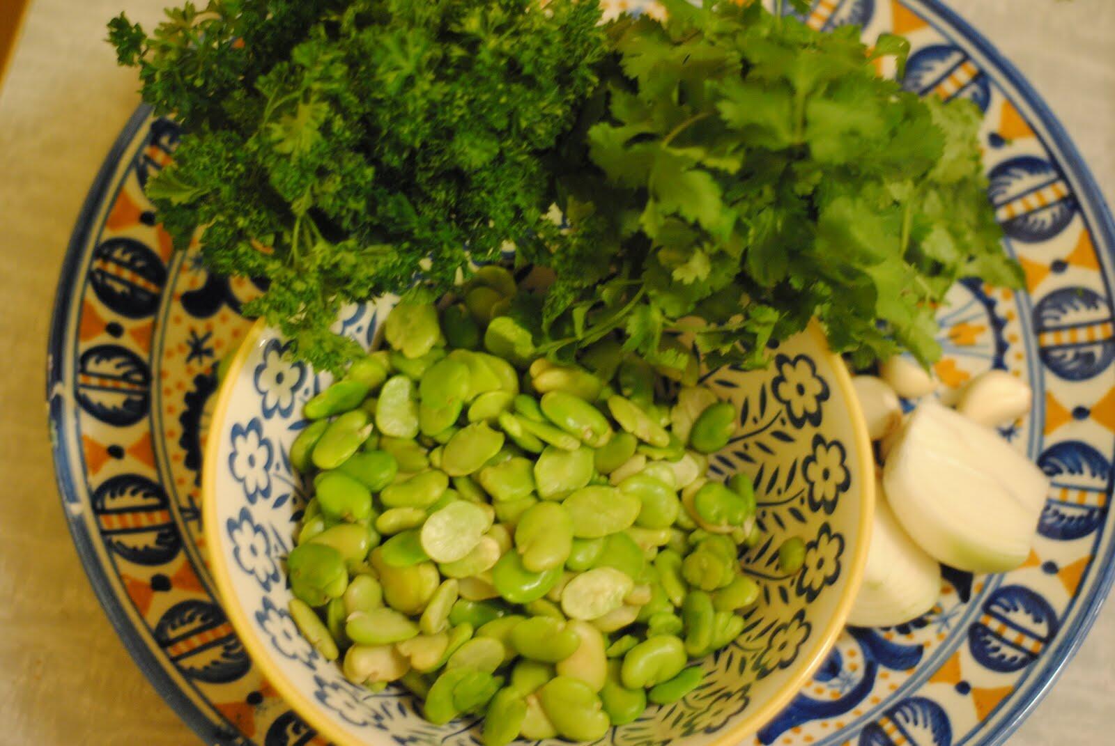 Fava beans accompanied by garlic and herbs