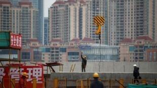 Một công trường ở Thượng Hải. Ảnh ngày  5/03/ 2015.