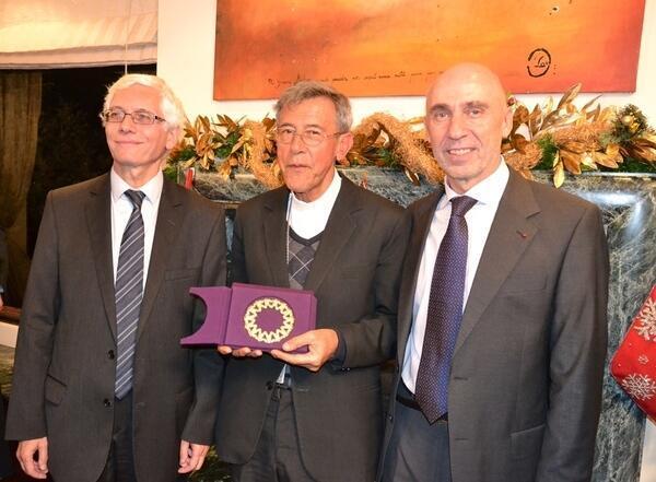 """El Embajador de Francia en Colombia, Jean-Marc Laforêt, Monseñor Gustavo Girón de la """"Comisión Vida, Justicia y Paz"""" y el Embajador de Alemania en Colombia, Günter Kniess."""