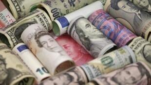 در ایران افرادی به اتهام اخلال در نظام ارزی و پولی کشور بازداشت شدهاند