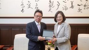 台湾总统蔡英文会见中国民运代表团 2019年6月