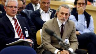 Для главного обвиняемого, предпринимателя Франсиско Корреа (справа), прокуратура запросила 125 лет тюрьмы.