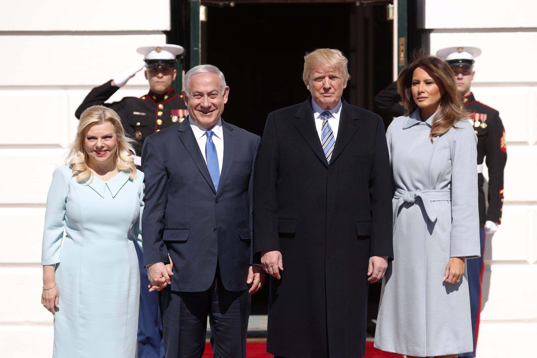 Rais wa Marekani Donald Trump na Waziri Mkuui Benjamin Netanyahu, wakiwa mbele ya Ikulu ya Marekani