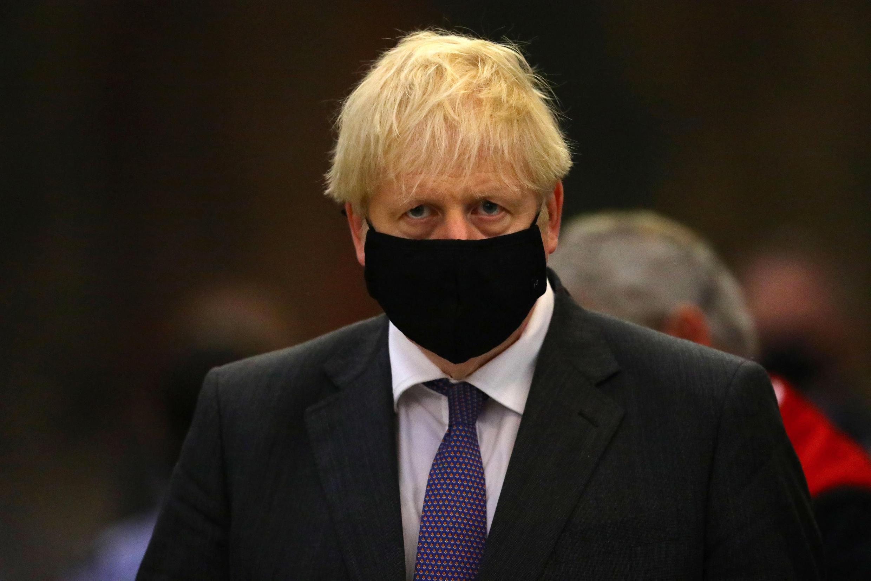 Boris Johnson asiste a un acto por el 80 aniversario de la Batalla de Inglaterra, el enfrentamiento aéreo con la Alemania nazi durante la Segunda Guerra Mundial, el 20 de septiembre de 2020 en la abadía de Westminster, en Londres