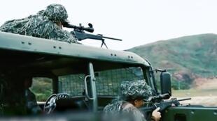 """駐港解放軍在北京審議香港國安法期間動作頻頻,狙擊手更進行""""槍王爭霸戰""""。"""