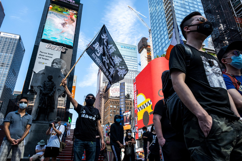 Người biểu tình ủng hộ phong trào dân chủ Hồng Kông tuần hành tại New York (Hoa Kỳ) ngày 02/08/2020. Ảnh minh họa.