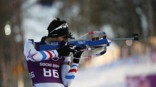 Vận động viên biathlon Pháp Martin Fourcade tại Thế Vận Hội Sochi 2014. Theo CIO, có 28 vận động viên Nga tại Sochi 2014 bị kỷ luật về tội doping.