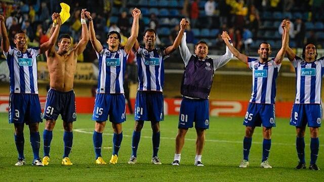 Wachezaji wa FC Porto wakishangilia baada ya kufuzu hatua ya fainali ya EUROPA Ligi.