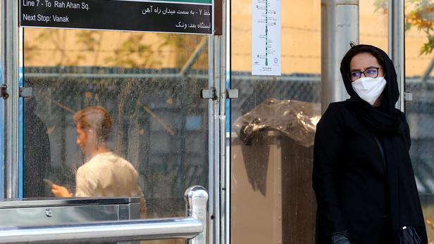 علیرضا زالی فرماندۀ ستاد مقابله با کرونا در کلانشهر تهران نیز اظهار داشت که رکورد آمار بستری در تهران نسبت به پنج ماه گذشته، شکسته شده است
