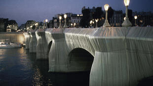 Christo Pont Neuf in Paris wrapped up in 1985 AP_Herve Merliac