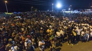 Miles de guyaneses respondieron a lllamado de los sindicatos concentrándose para manifestar su descontento el 25 marzo 2017.