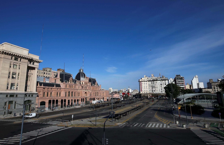 Buenos Aires ganhou ares de cidade fantasma