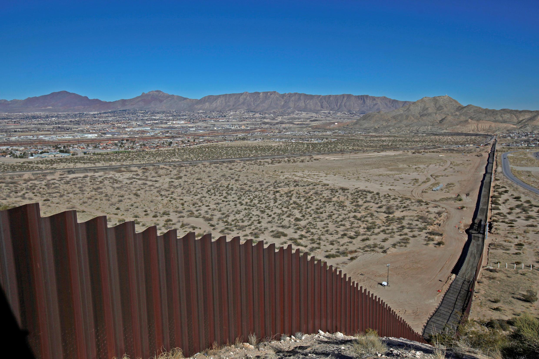 Le mur frontière entre les Etats-Unis et le Mexique