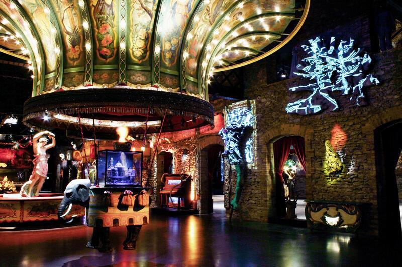 El Teatro de lo Maravilloso y su elefante.