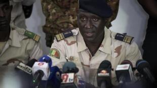 Le colonel-major Ismaël Wagué, porte-parole du CNSP, lors d'une conférence de presse à Bamako le 16 septembre 2020.