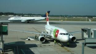 Portugal adere a greve europeia de controladores aéreos da NAV, o que deverá causar perturbações dos voos, como os da TAP.