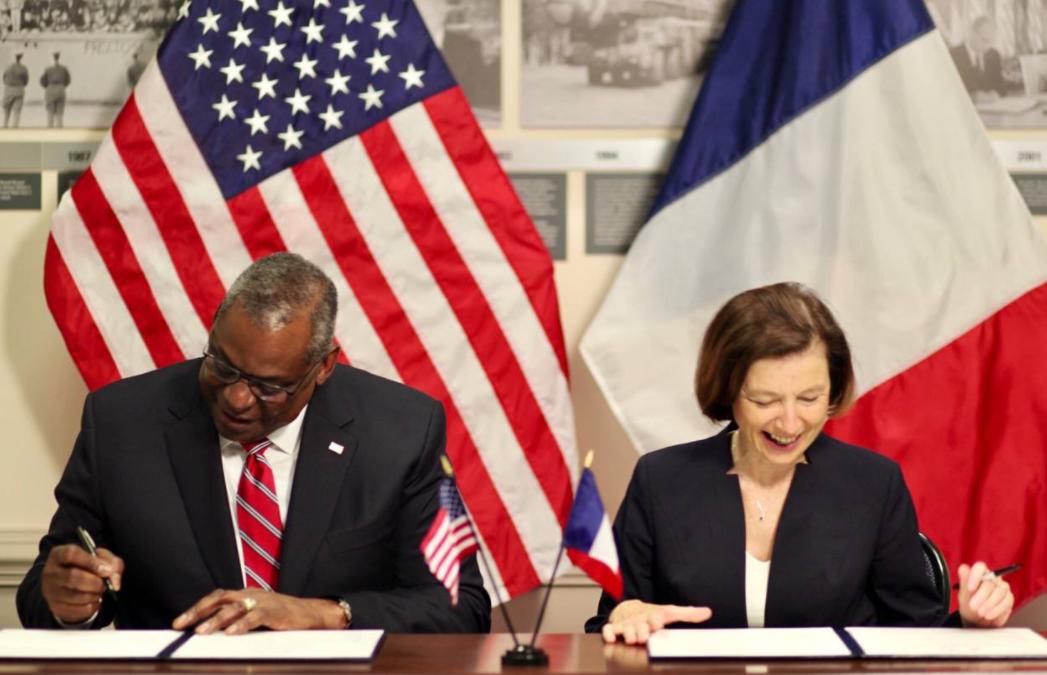 美國國防部長奧斯汀與法國國防部長帕利資料圖片