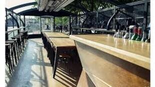 巴黎塞纳河畔水上餐厅LES MAQUEREAUX