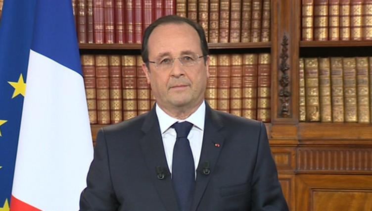 O presidente francês, François Hollande, durante pronunciamento nesta segunda (26).