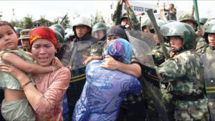 مسلمانان در اردوگاههای تعلیم اجباری در چین شرایط دشواری را سپری میکنند