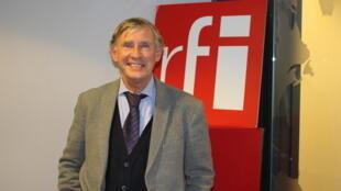 کریستف بالایی در استودیو بخش فارسی رادیو بینالمللی فرانسه