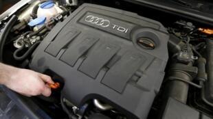O governo alemão solicitou à Volkswagen que apresente um plano de medidas para remediar os problemas dos seus motores a diesel.