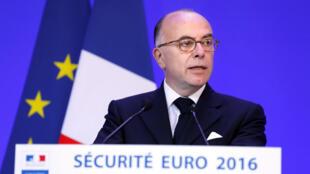 Bernard Cazeneuve, ministro do Interior da França.