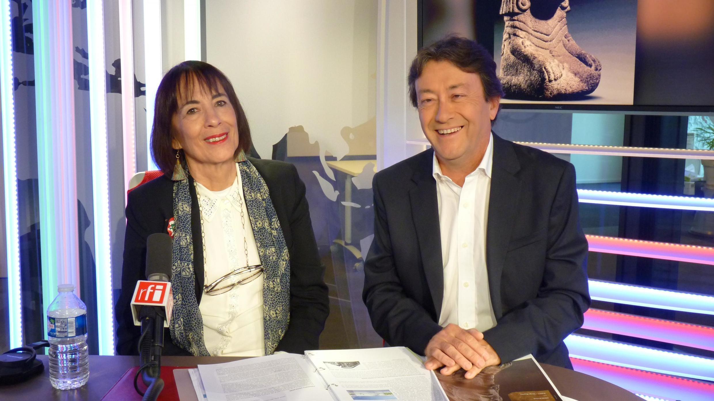 Laura Elena González, Directora General de relaciones Culturales de la cancillería mexicana con Jordi Batallé en los estudios de RFI