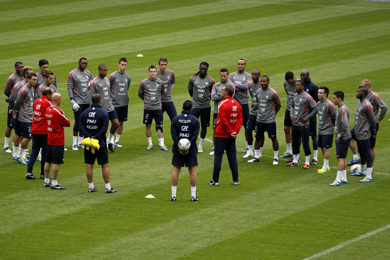 Treino da seleção francesa no Stade de France, na véspera do jogo contra a Bósnia.