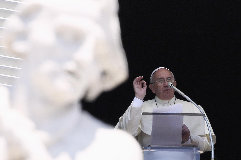 Đức giáo hoàng Phanxicô chủ trương gạt các băng đảng Ý gạt ra ngoài Giáo hội - REUTERS /Alessandro Bianchi