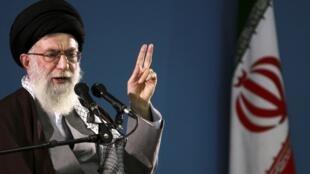 Ayatollah Ali Khamenei, kiongozi wa kidini nchini Iran.