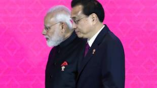 印度總理莫迪與中國總理李克強2019年11月4日曼谷