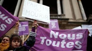 Marche contre la violence faite aux femmes, ce samedi 23 novembre, à Paris.