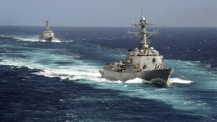 """美国主力驱逐舰""""伯克级""""战舰资料图片"""