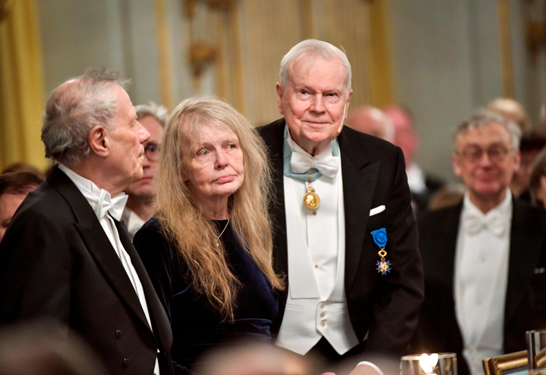 برخی از اعضای آکادمی نوبل در جلسه سالانه این آکادمی در استکهلم
