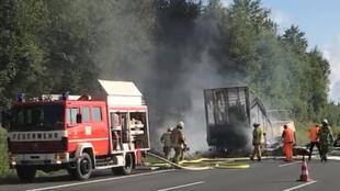 Место аварии на автобане А9 в Баварии, где утром 3 июля туристический автобус столкнулся с грузовиком