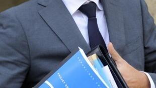 O porta-voz do governo, François Baroin, não teme o rebaixamentos dos bancos.