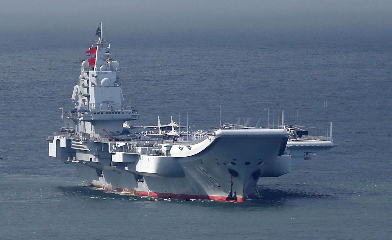 Hàng không mẫu hạm Trung Quốc ghé cảng Hồng Kông. Ảnh minh họa.