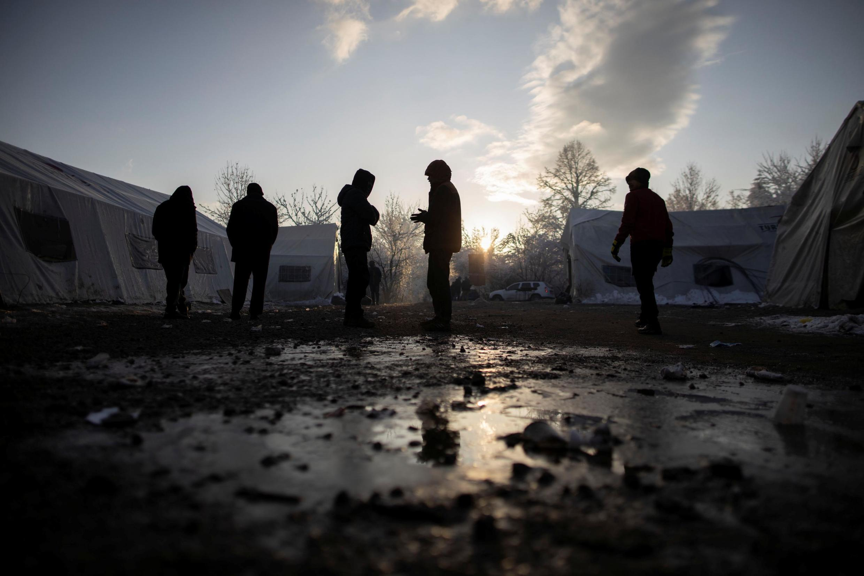 Des migrants dans le camp de Vucjak, en Bosnie-Herzégovine, le 6 décembre 2019. (Photo d'illustration)
