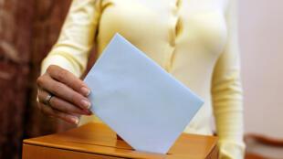 Les élections législatives du 15 mars prochain aux Pays-Bas se dérouleront avec une méthode à l'ancienne pour le comptage des voix.