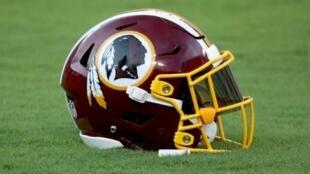 Después de numerosas demandas, incluidos patrocinadores, los Washington Redskins anunciaron que revisarán su apodo, ampliamente considerado como ofensivo para las comunidades nativas.