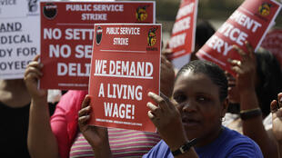 Workers demonstrate at  Albert Luthuli hospital in Durban