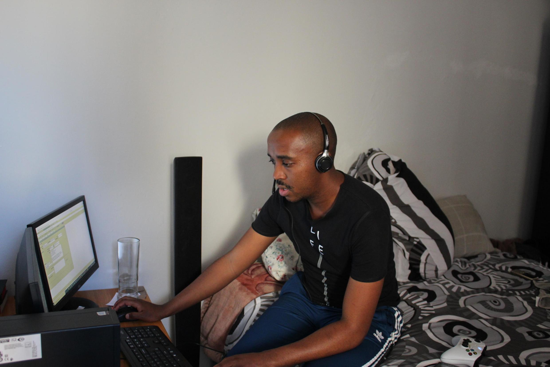 Tebogo Khoza, 29 ans, travaille pour le service client d'une compagnie de sécurité