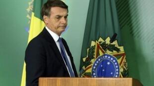 Le président brésilien a cinq jours pour défendre son texte controversé.