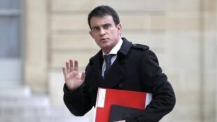 Le Premier ministre français a annoncé la volonté du gouvernement de prolonger de deux mois supplémentaires l'état d'urgence en France.