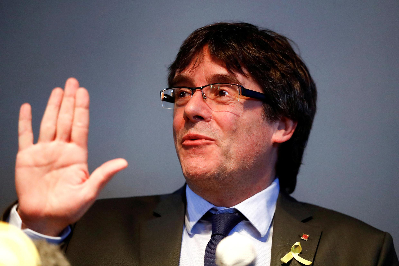 Membros do governo do ex-presidente regional da Catalunha Carles Puigdemont (foto) são alvo de mandados de prisão emitidos neste 5 de novembro de 2019.