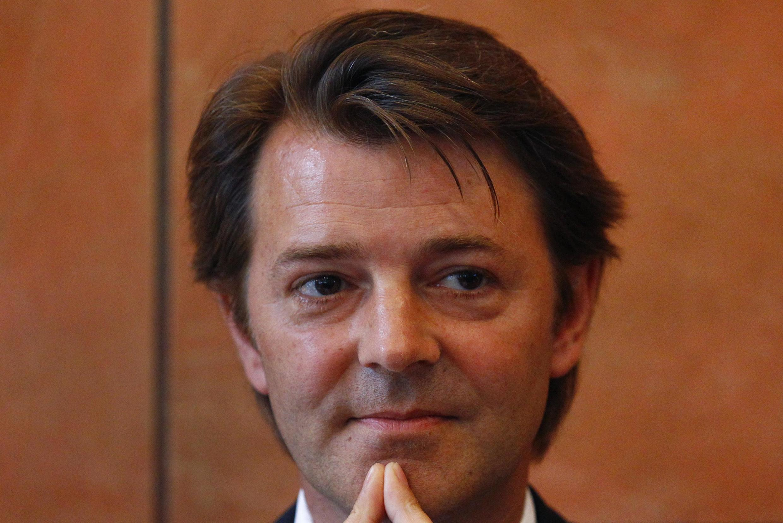 """""""El debate será aún más libre dado que no habrá comunicado final"""" afirmó el ministro francés de Economía, François Barouin, en una entrevista publicada por el diario Le Figaro (8 de septiembre de 2011)."""