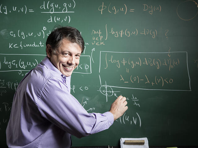 Marcelo Viana, coordenador do comitê organizador do Congresso Internacional de Matemáticos (ICM) e diretor do Instituto de Matemática Pura e Aplicada (IMPA), no Rio de Janeiro.