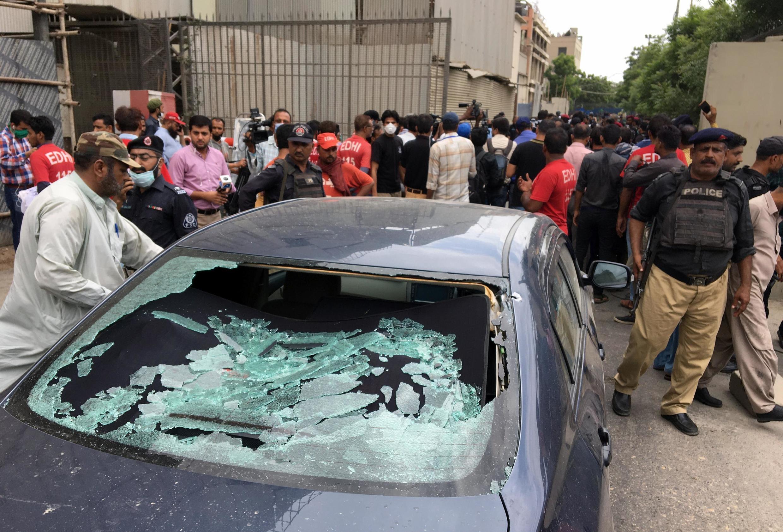 Viatura dos 4 atacantes contra a Bolsa de Valores de Carachi a 29 de Junho de 2020, os 4 foram mortos, bem como 4 guardas, 1 polícia e 1 civil.